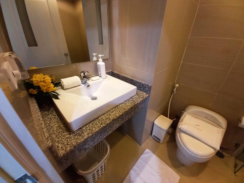 hua-hin-tira-tiraa-studio74-bathroom-1