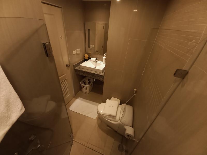 hua-hin-tira-tiraa-studio74-bathroom-3